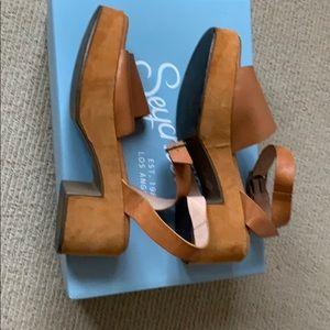 Anthropologie Seychelles tan platform sandals